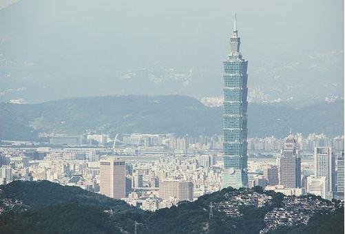 フクロウ 台湾 縁起物